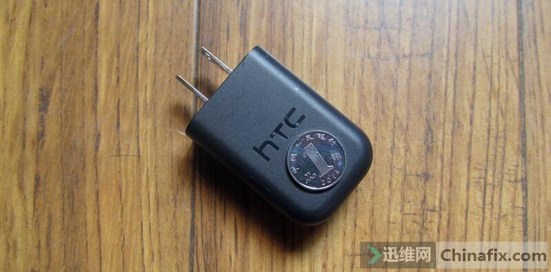 HTC充电头.jpg