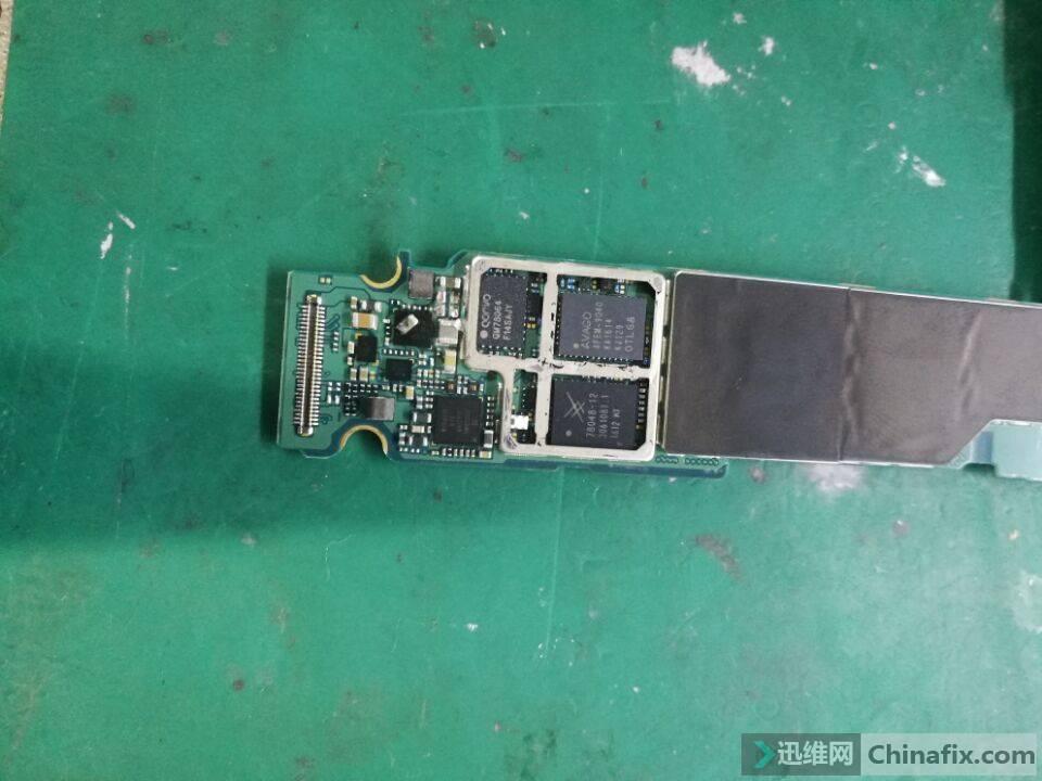 坏电容放在芯片上