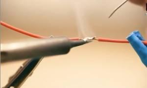 标准的电烙铁焊接方式视频教程