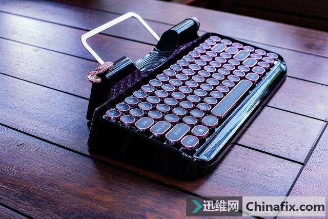 玩文艺不看年龄,小资范樱桃轴复古打字机机械键盘