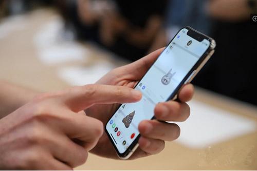 """国产机灵感来了,""""异形全面屏""""明年将成手机界主流?"""