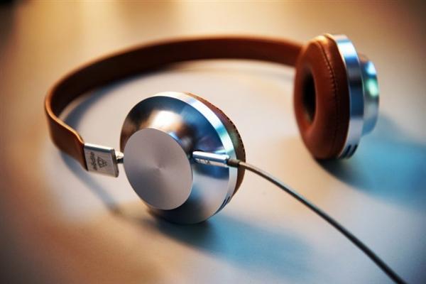外媒吐槽:取消3.5mm耳机孔就是耍流氓