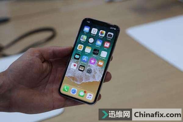 你知道iPhone X 摔一下要損失多少錢嗎? 比8精貴多了!