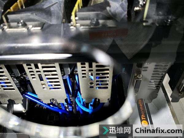 华硕挖矿专用主板:20块显卡组建超级矿机,都是USB接口