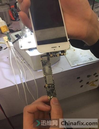 iPhone6手机无法开机-检查主板