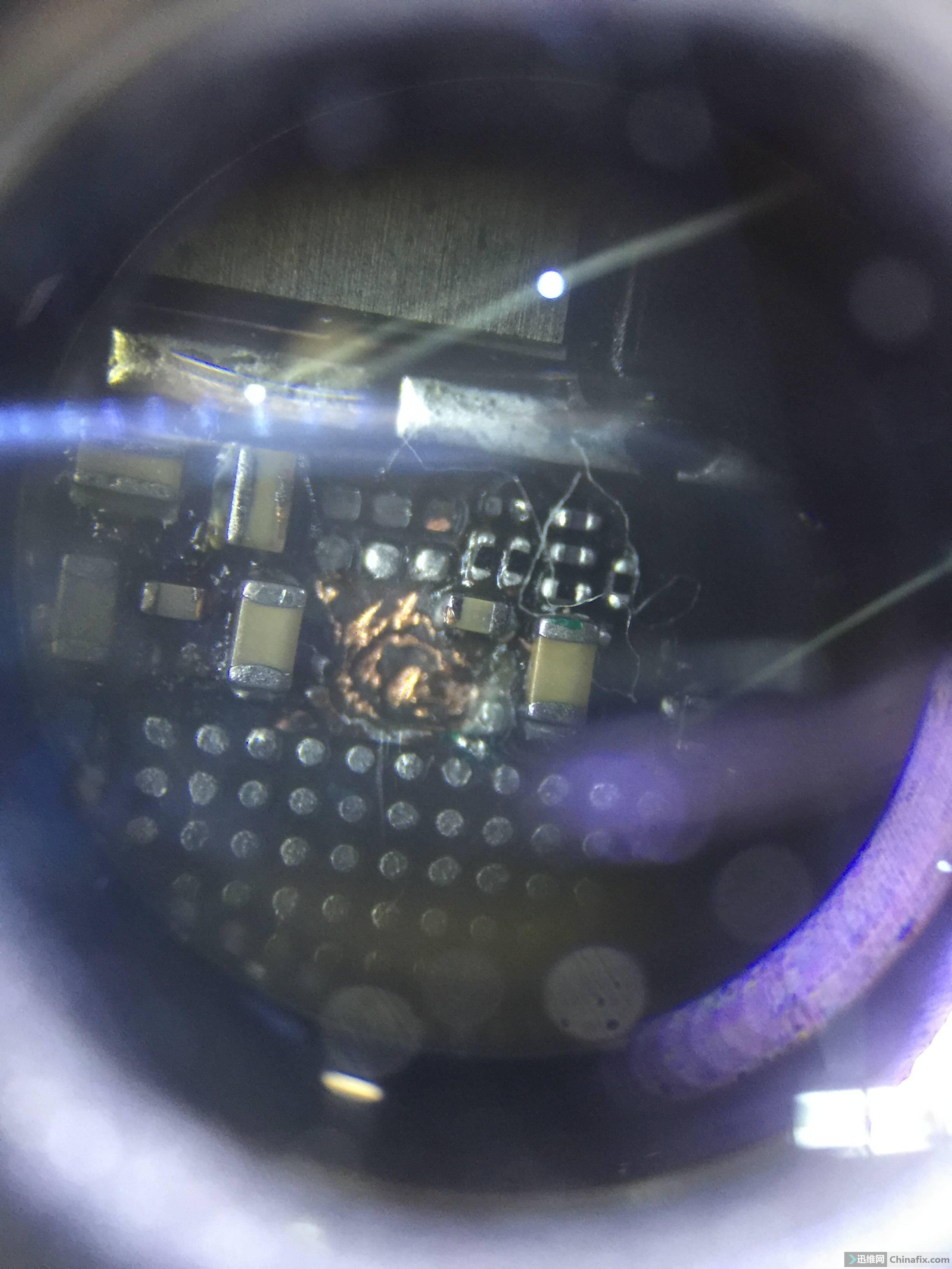 这个是大音频上端。这个挖点修开了机但影响了蓝牙打不开