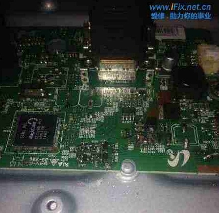三星S27d360电脑显示器闪一下黑屏 图1