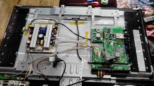 海信TLM4236P液晶电视有图像没声音故障维修2