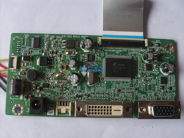 海尔HT-20668RS液晶显示器黑屏维修 图2