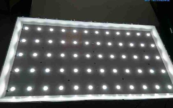 长虹LED49C1080N显示器花屏故障维修 4