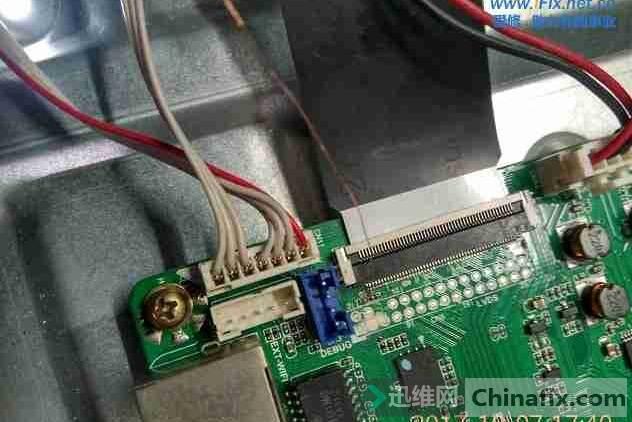 长虹LED49C1080N显示器花屏故障维修 5