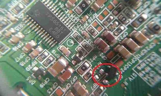康佳LC32ES62液晶电视开机灰屏故障维修 图1
