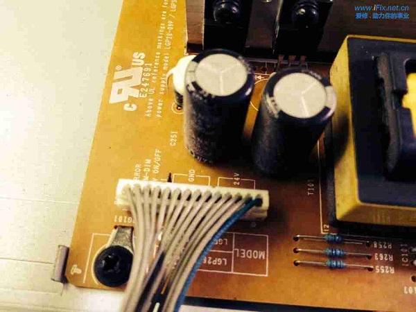 LG 32LD310-LA液晶电视有声无光故障维修 图3