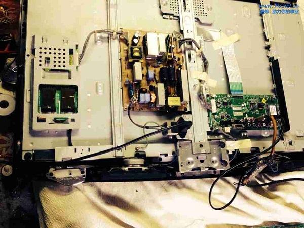 LG 32LD310-LA液晶电视有声无光故障维修 图2