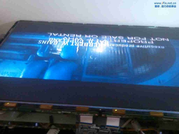 TCL L40M9FR液晶电视半边竖条花屏故障维修7