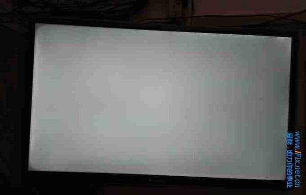 海尔LE39A700液晶电视白屏故障维修 图1