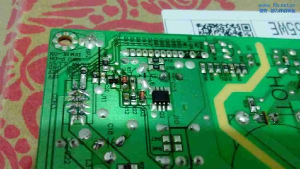 美乐LE32M02F液晶电视红灯亮不开机故障维修4