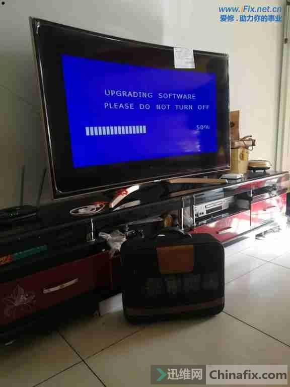 康佳QLED55X80U曲面液晶电视系统损坏升级故障维修案例4