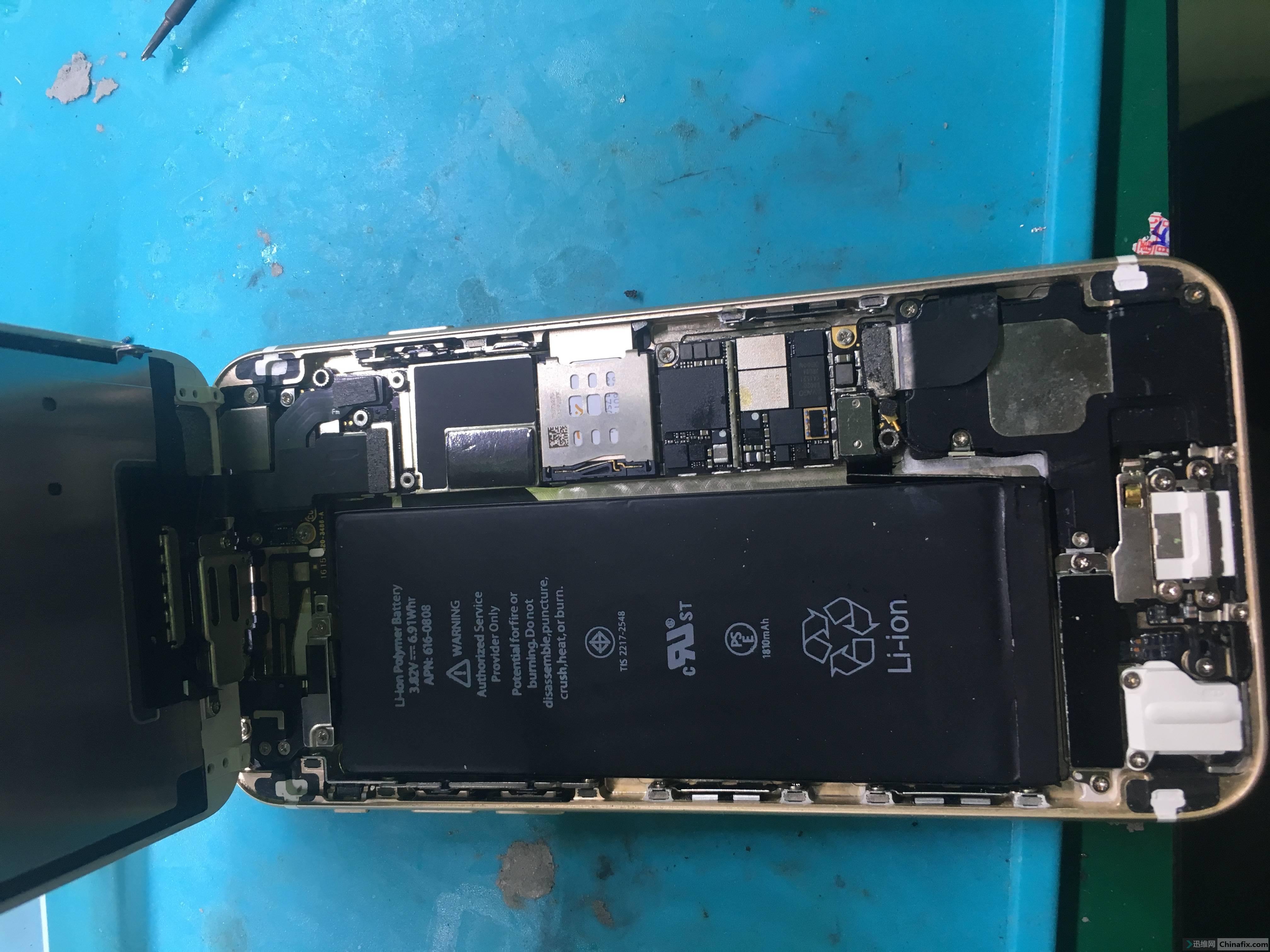 拆机发现是二修机,好吧既然接了就干吧把主板拆下来在显微镜下观察都动过哪里发现还好只动过基带,既然动过 ...