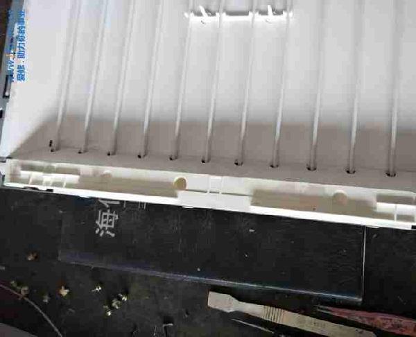 长虹LT26610液晶电视有时开机黑屏有声音故障维修一例3