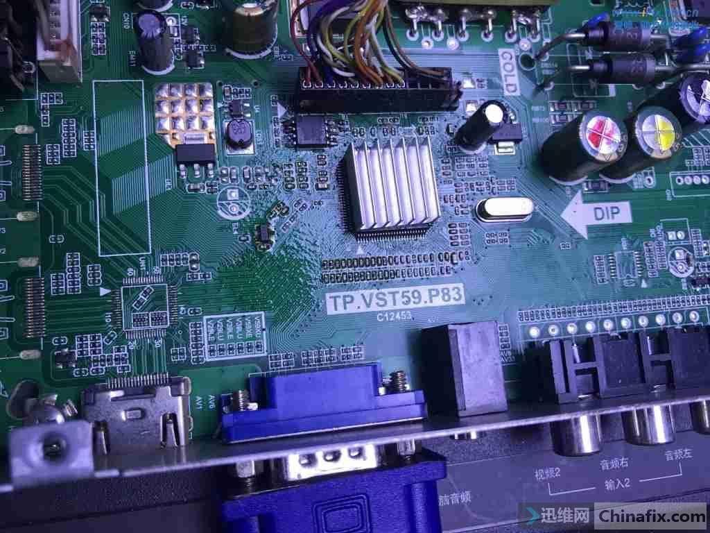 乐华LED32C360液晶电视通电后红灯亮不开机故障维修案例2