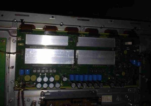 松下TH-50PY700H等离子电视开机后不久突然关机故障维修一例1
