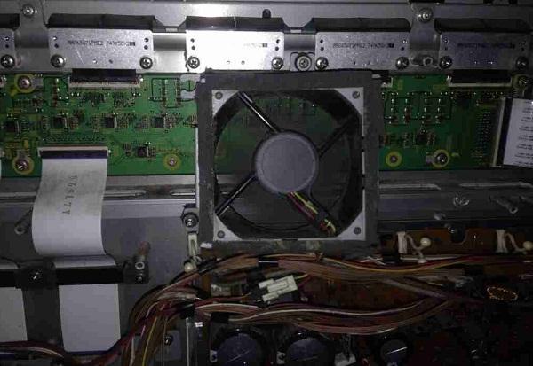 松下TH-50PY700H等离子电视开机后不久突然关机故障维修一例3