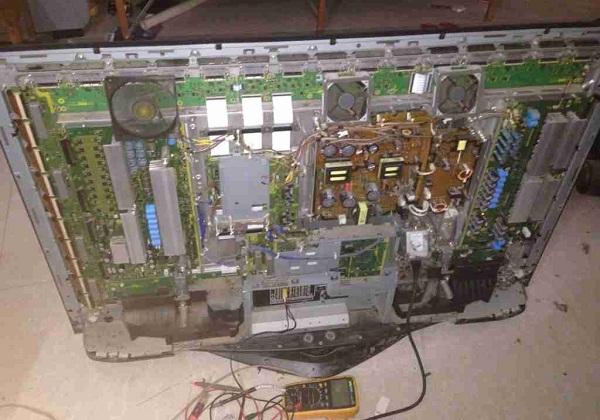 松下TH-50PY700H等离子电视开机后不久突然关机故障维修一例4