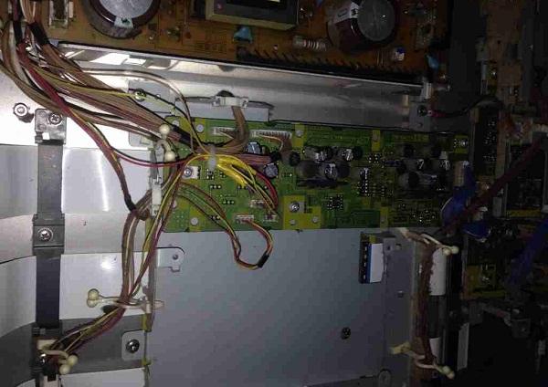 松下TH-50PY700H等离子电视开机后不久突然关机故障维修一例8