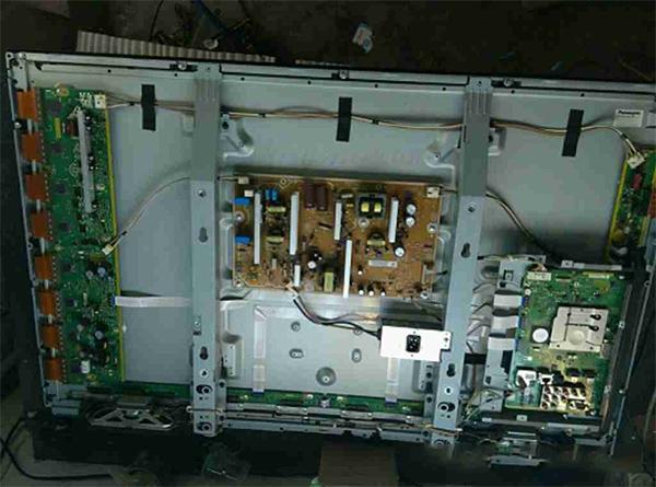 松下TH-P42C30C等离子电视机不开机故障维修一例