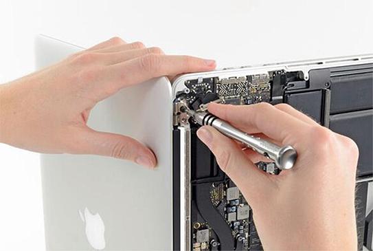苹果 A1466笔记本进水不开机故障维修 图3