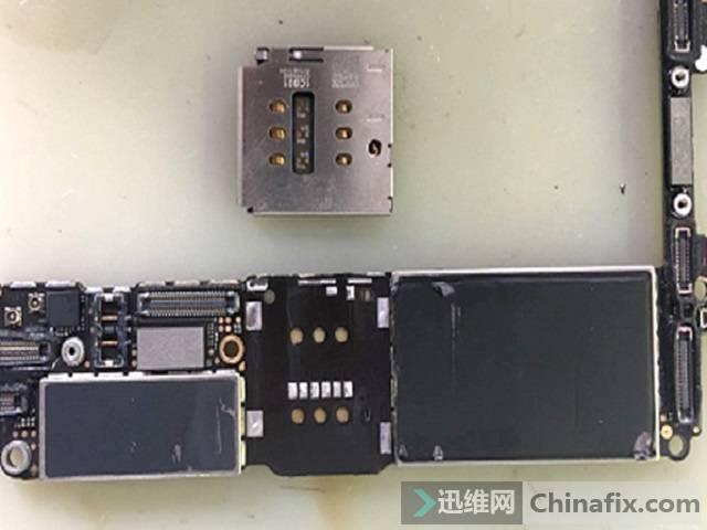 iPhone 7手机不读卡故障维修 图4