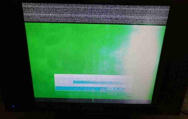 金正液晶电视花屏维修一例1