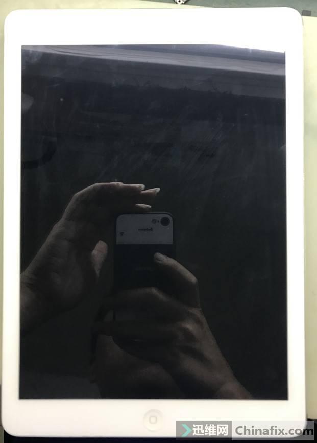 iPad Air亮屏机器发烫故障维修 图1