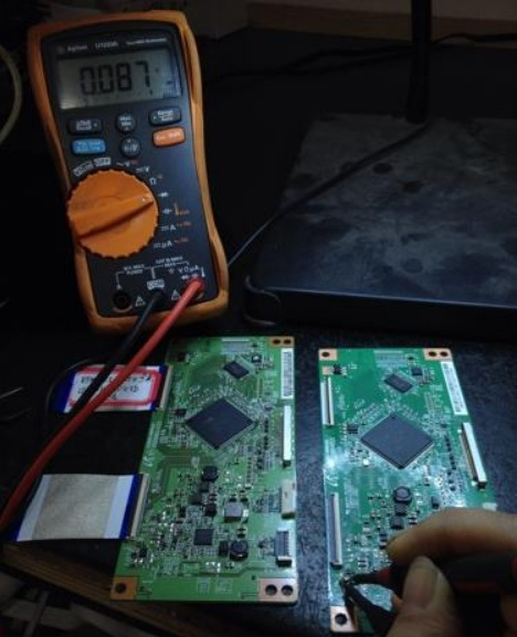 创维50E550E液晶电视显示不正常故障维修一例