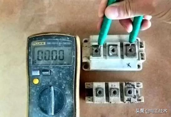 如何用万用表测量IGBT模块好坏?17年变频器维修老师傅告诉你-2.jpg