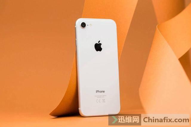 """搭载A13芯片的""""iPhone8""""来了?苹果再次曝光新机:售价太香了"""