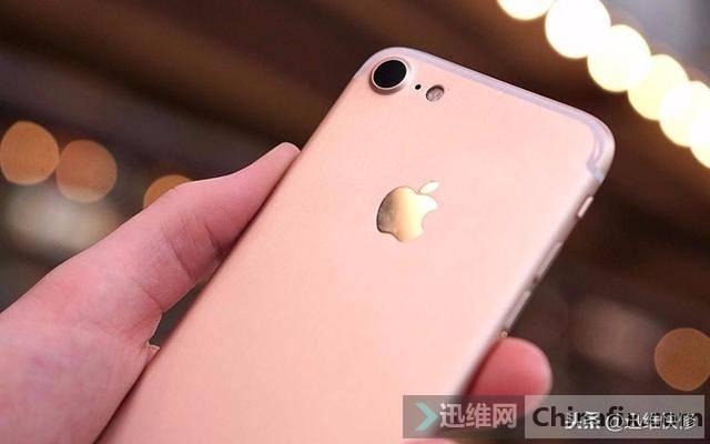 iPhone7P手机进水无法开机了怎么办?一个小配件引起的
