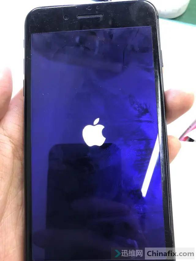 iphone7plus开机白苹果怎么办?
