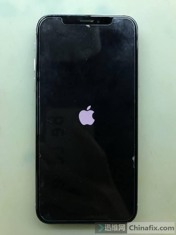 iPhoneX开机卡白苹果,进不了系统维修