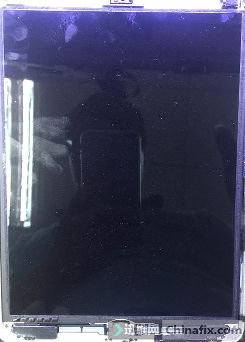 二修iPad5开机不充电,关机充电维修