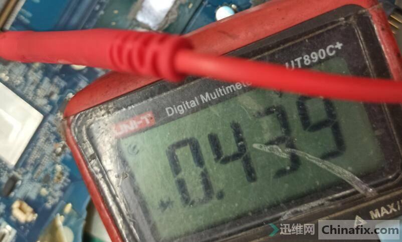显卡供电PQ17-87350D-5脚对地值在线测量.jpg