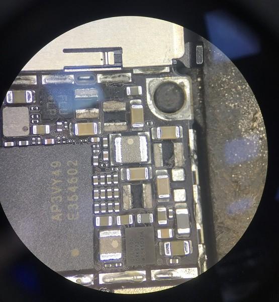iPhone 6s 基带供电电感坏引起白苹果重启故障维修 图2
