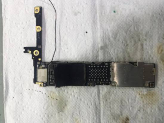 iPhone6 Plus 硬盘导致手机白苹果重启故障维修 图2