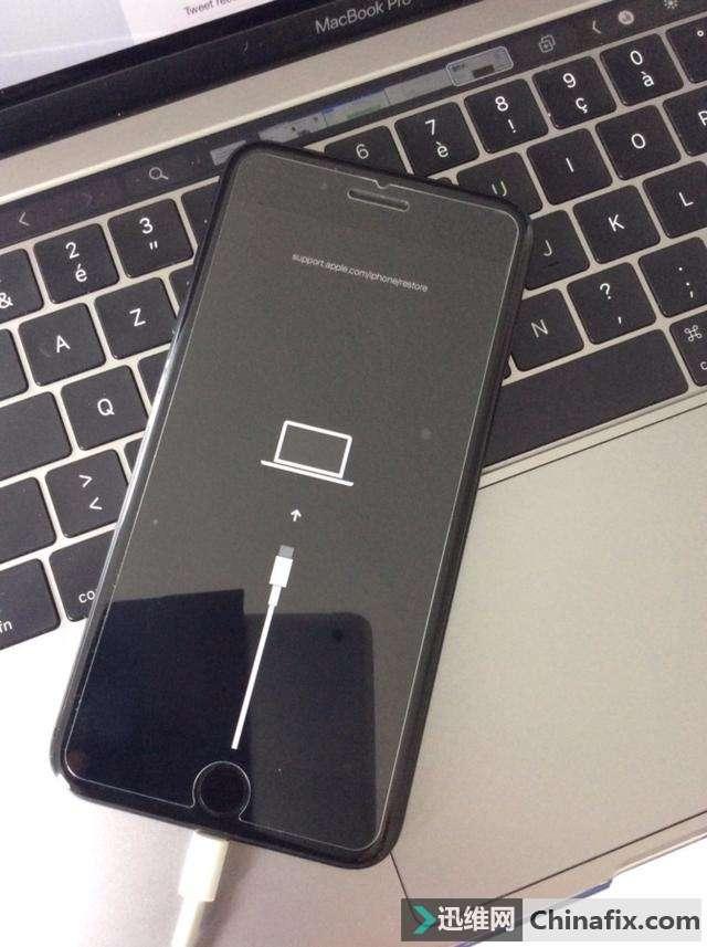 iPhone 11最新谍照曝光:或将放弃Lightning接口转向USB-C