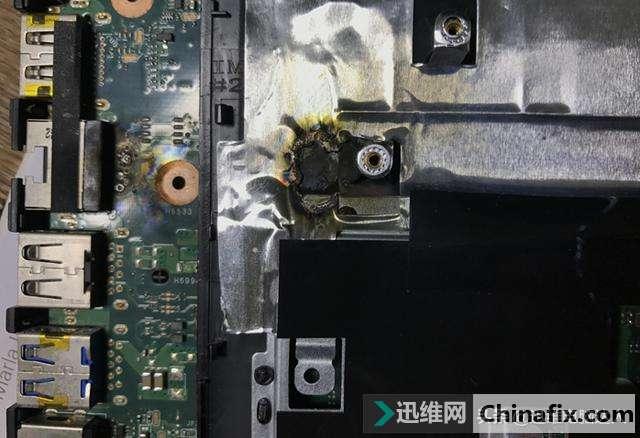 华硕笔记本电池能开机,接电不开机不充电,被雷击